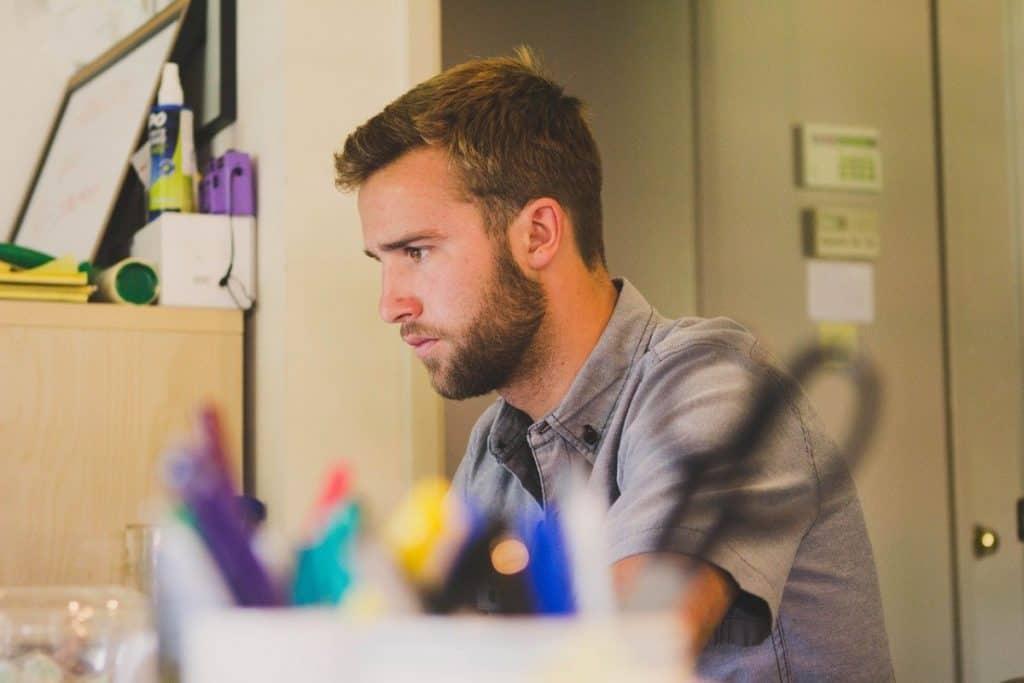 wie werde ich online marketing manager